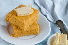Microwave for minutes (depending on your microwave) until the bread is set and not wobbly in the center. Or bake in a 350 degree oven for 14 minutes or until cornbread has risen and not wobbly in the center. Keto Corn Bread, Keto Banana Bread, Low Carb Bread, Keto Cornbread Recipe, Easy Keto Bread Recipe, Ketogenic Recipes, Gourmet Recipes, Low Carb Recipes, Keto Foods