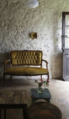 clairesfieldnotes:    http://remodelista.com/posts/a-labor-of-love-a-romantic-inn-in-france