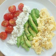 Healthy Breakfast Ideas - Healthy Breakfast Ideas This mornings breakfast before hitting the slopes :mount_fuji::ski::thumbsup: tomato, cottage cheese, avocado and scrambled eggs! Rich in protein and fat so I'll be able to ski the whole day:muscle: Quick Healthy Breakfast, Healthy Snacks, Breakfast Recipes, Healthy Eating, Perfect Breakfast, Healthy Breakfasts, Eat Breakfast, Hi Protein Breakfast, Boiled Egg Breakfast Ideas