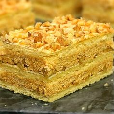 Romanian Desserts, Romanian Food, Romanian Recipes, Creme Caramel, Mcdonalds, Vanilla Cake, Ale, Biscuits, Bacon