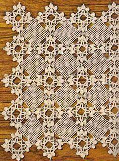 "Tapete ""Imperio"" a Crochet o Ganchillo rug Crochet Lace Edging, Granny Square Crochet Pattern, Crochet Art, Crochet Squares, Crochet Home, Filet Crochet, Learn To Crochet, Vintage Crochet, Tatting Patterns Free"