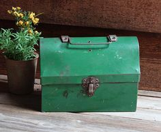 Vintage Green Domed Lid LUNCH BOX Retro Metal Industrial Lunch