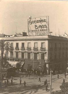 1930: Plaza Nueva de Sevilla. / 1930: Plaza Nueva in Sevilla.