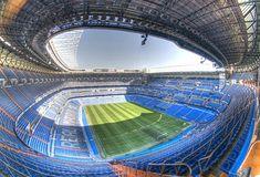 El estadio El Santiago Bernabeu que tiene el equipo de futbol Real Madrid, uno de los equipos mas famosos de esta region. El futbol sigue como el deporte mas popular de Madrid y Espana.