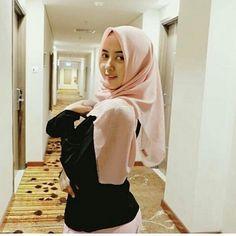 Pretty Asian Girl, Cute Asian Girls, Cute Girls, Islamic Girl, Hijab Niqab, Indonesian Girls, Girl Hijab, Beautiful Hijab, Perfect Woman