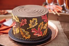 Apply advanced buttercream icing piping techniques like basketweave, cornelli lace and brush embroidery in Course 2. Sign up at @michaelsstores.