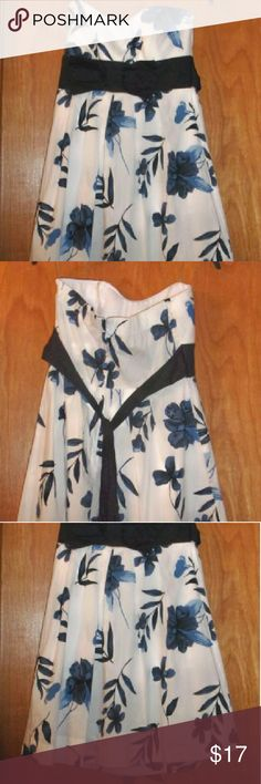 """Pretty blue and white party dress junior 11 Bust 35 - 36"""" inside is molded bust Length 24"""" measuring from under the arm down the seam. Ties in the backh7h7h777h7777h Elastic around the top back Lining with netting Brand new with tags Speechless Dresses Midi"""