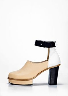 colour blocking heels