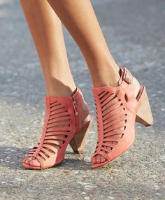 Vince Camuto #Coral 'Eliana' Bootie http://rstyle.me/n/f2py4r9te