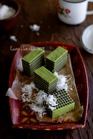 HESTI'S KITCHEN : yummy for your tummy: Lapis Jongkong (Jawa Timur) Indonesian Desserts, Indonesian Cuisine, Indonesian Recipes, Asian Snacks, Asian Desserts, Fruit Recipes, Snack Recipes, Dessert Recipes, Malaysian Dessert