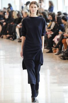 Christophe Lemaire Autumn Winter 2014/15 Ready-To-Wear. Paris Fashion Week