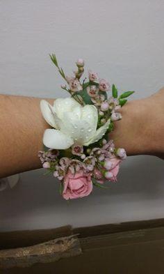 Flowers of Soul: Corsaje Design Floral, Crown, Plants, Jewelry, Fashion, Moda, Corona, Jewlery, Bijoux
