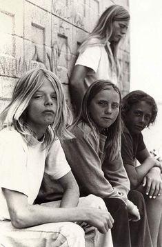 A few of the original venice Dogtown Boys circa Dogtown Boys, Lords Of Dogtown, Epic Photos, Old Photos, Vintage Photos, Venice Beach, Hugh Holland, Surf Vintage, Z Boys