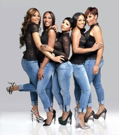 the braxton family values. I woud love to replicate this photo for bride and bridesmaid shoot me because me and sisters are close just like the braxton sisters (love tha idea)