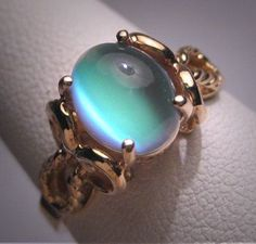 awesome Vintage Green Moonstone Ring Victorian by AawsombleiJewelry