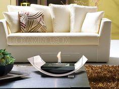 GONDOLA: Simpatico e sfizioso, il bioKamino da tavolo che dona il piacere di una fiamma viva e calda in ogni ambiente, posizionabile su qualsiasi superficie piana, tavolo, mensola o mobile. Ecologico, non emette odori e fuliggine, rispetta l'ambiente. Bruciatore di sicurezza bioKamino, anche in caso di rovesciamento il bioetanolo rimane confinato all'interno per la massima sicurezza della casa e della famiglia.