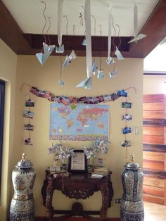 Global-themed party wall & ceiling decor