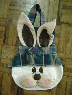 Rabbit Crafts, Bunny Crafts, Easter Crafts, Holiday Crafts, Felt Bunny, Easter Bunny, Sewing Crafts, Sewing Projects, Bunny Bags
