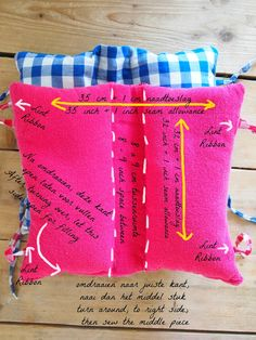 seat belt Pillow made for my children. You can use it for the holidays but also for a long car ride. look for the the whole story on http://noetsie.blogspot.nl/2014/08/diy-autogordelkussen.html