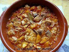 Como me gustan los guisos tradicionales!!!! Me gustan especialmente los platos de cuchara, como este guiso de bonito con patatas, un plato bien completo y sano. . Tanto los ingredientes como la pre…