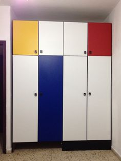 Using paint and tapet, I made my closet #mondrian style. #diy #furniture