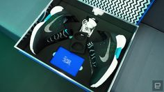 回到未来化为真实,Nike HyperAdapt 自绑鞋带运动鞋动手玩