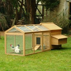 Hen house that would great in my back yard... in my distant future where I have an urban farm complete with chickens.