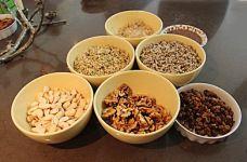 Noten en zaden worden netjes voorbereid