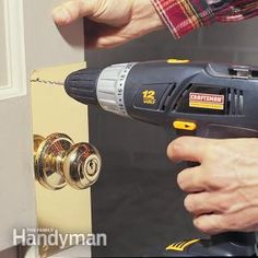How to Reinforce Door With Knob Reinforcer This story walks you through the how to steps to install a doorknob reinforcer on your exterior doors. It's a simple, inexpensive project that makes your entry door more secure and less vulnerable to break-ins. Home Security Tips, Safety And Security, Personal Security, Security Systems, Security Door, Smart Door Locks, Home Protection, Home Defense, Home Safety