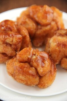 Skinny Monkey Bread Bites -- a guilt-free version of the classic favorite! Less than 100 calories!