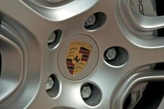 Limuzyna z klasą. Najnowsze Porsche Panamera 4S w kolorze biała perła.