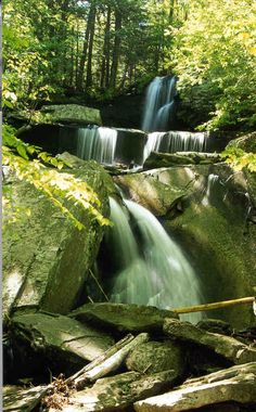 Ashley Falls is reached by an easy 1/4 mile walk. It is located in the northeastern Catskills, near Kaaterskill Falls, New York