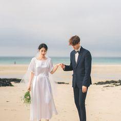 Wedding Couple Photos, Pre Wedding Photoshoot, Wedding Poses, Wedding Couples, Wedding Ideas, Korean Wedding Photography, Korean Couple, Ulzzang Couple, Avatar Couple