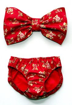 Red floral bow bandeau set  Made to order van amourouse op Etsy,