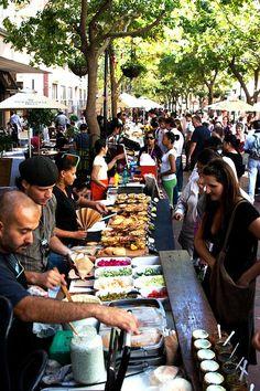 Earth Fair Market. Jeden Donnerstag von 11:00 bis 15:00 Uhr auf der St. Georges Mall (Ecke Wale Street, gegenüber der Kathedrale)