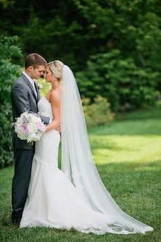 Long wedding veil | Kristyn Hogan Photography | see more on: http://burnettsboards.com/2014/10/lavender-southern-wedding/
