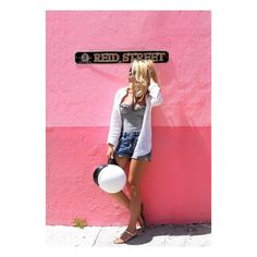 #travel #traveler #pink #pinkmood #beautifuldestinations #vacation #outfit #summeroutfit #style #stylish #outfitoftheday #inspiration #fashion #bermuda