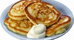 Homemade pancakes with sour cream Healthy Sweets, Healthy Cooking, Cooking Recipes, Food Png, Good Food, Yummy Food, Homemade Pancakes, Russian Recipes, Kefir
