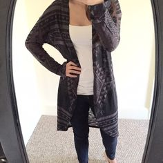 Gray Aztec sweater Gorgeous and in style. Aztec print open front sweater. Lightweight and perfect for layering !  Medium but can fit small. Sweaters Cardigans