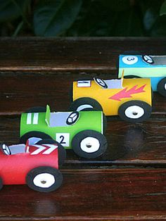 Put those empty paper toilet tubes to good use with this cute recycled car craft! Your little speedster will have so much fun decorating his DIY paper tube cars. Fun Arts And Crafts, Crafts For Boys, Diy For Kids, Fun Crafts, Teddy Bear Crafts, Hot Wheels Party, Craft Images, Michael S, Upcycled Crafts