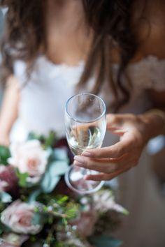 photo mariage next door stories wedding photography bouquet bride photo mariage bouquet idea