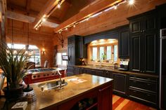 These timber frame interior photos from Natural Element Homes are real head-turners. See what all the fuss is about.