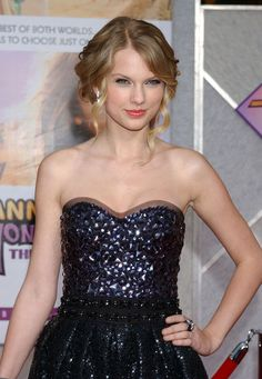 Taylor Swift at the Hannah Montana, The Movie Premiere in Hollywood 02.04.09 <3