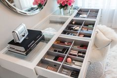 How To Organize Your Make-up | http://www.mywhitet.com/my-dream-closet/