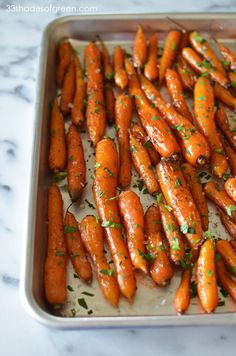 33 Shades of Green: Weekend Kitchen: Balsamic Glazed Roasted Carrots