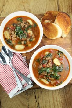 Dinner in less than 30 minutes! Italian Gnocchi Soup From missinthekitchen.com