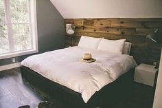 Rustic Master Bedroom Decor and Inspiration (48)