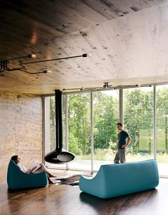 Great fireplace on one of my favorite websites and magazines: Dwell