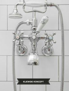 Poddasze zabytkowej kamienicy #attic #interiordesign #aldesign #tap #white #bathroom #home #bath