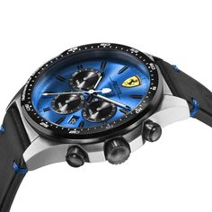 A wrist watch directly inspired by the racing world: from the dial that resembles the racing car steering wheel to the aerodynamic silhouette. To live every second at top speed.